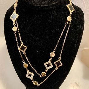 Jewelry - NWT Necklace Like Fashion House Gold Chain Long